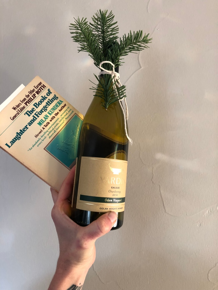 wine secondhand book Christmas gift zero waste