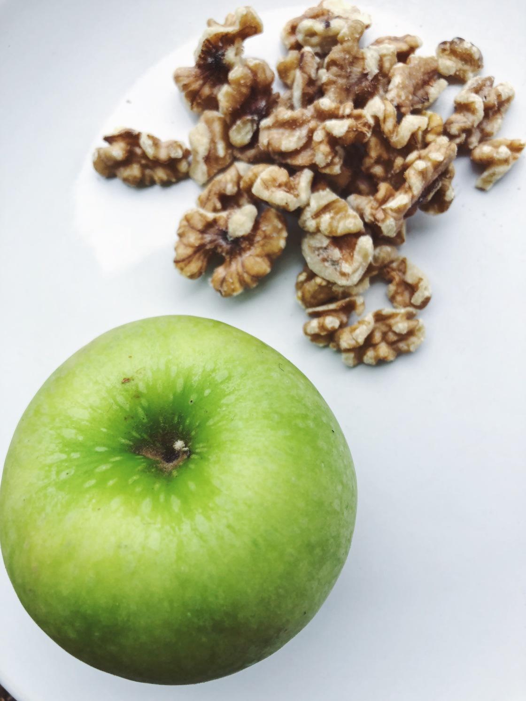 Apple walnut snack vegan