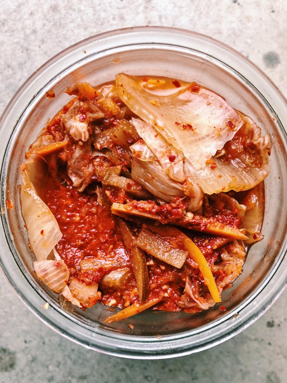 Vegan kimchi fermenting easy