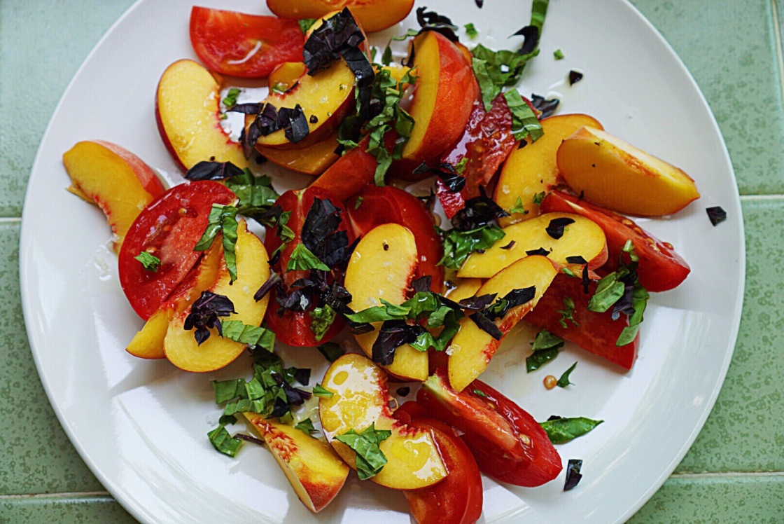 peach tomato summer salad