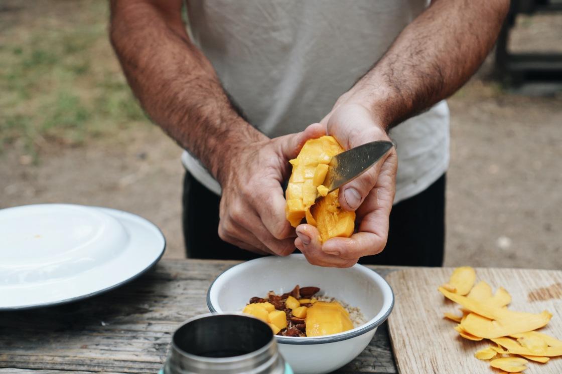 vegan zero waste camping breakfast