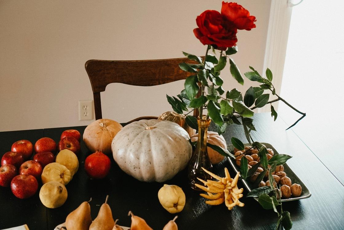 table rose fall autumn