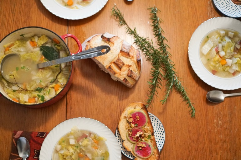 simple vegetable soup table